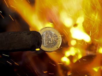 Cumbre en medio de temores de fin del euro y estallido de la UE
