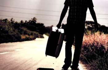 España: Latinoamericanos regresan a sus países